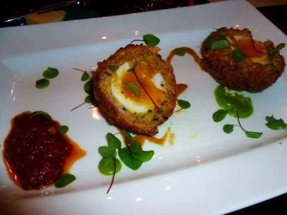 Scotch Egg, Tomatoe Relish and spiced Pea Puree, Chilled Curry Dressing